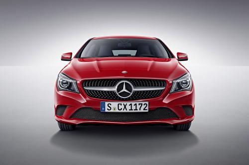 Мерседес-Бенц ЦЛА 45 АМГ легковой автомобиль дебютирует в 2015 году