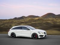 2015 Mercedes-Benz CLA45 AMG Shooting Brake