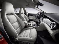 2015 Mercedes-Benz CLA45 AMG Shooting Brake, 15 of 17