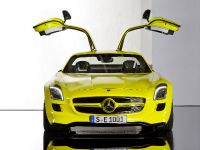 2015 Mercedes-Benz SLS AMG E-CELL, 3 of 19