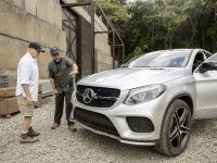 2015 Mercedes-Benz Vehicles in Jurassic World, 1 of 15