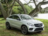 2015 Mercedes-Benz Vehicles in Jurassic World, 2 of 15