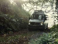 2015 Mercedes-Benz Vehicles in Jurassic World, 14 of 15