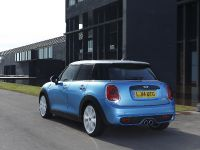 2015 MINI 5-door Hatchback, 17 of 150