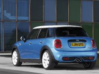 2015 MINI 5-door Hatchback, 24 of 150
