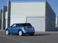 2015 MINI 5-door Hatchback, 80 of 150