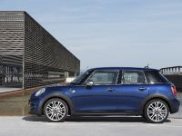 2015 MINI 5-door Hatchback, 85 of 150