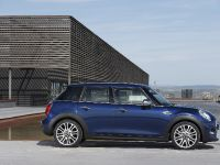 2015 MINI 5-door Hatchback, 86 of 150
