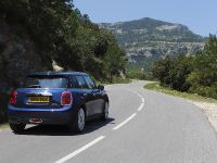 2015 MINI 5-door Hatchback, 103 of 150