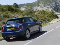 2015 MINI 5-door Hatchback, 105 of 150