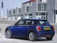 2015 MINI 5-door Hatchback, 125 of 150