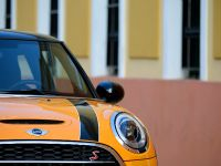 2015 Mini Cooper 5-door, 2 of 13