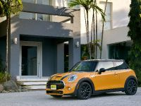 2015 Mini Cooper 5-door, 3 of 13