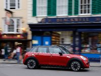 2015 Mini Cooper 5-door, 11 of 13