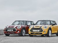 thumbnail image of 2015 MINI Cooper