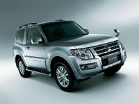 2015 Mitsubishi Pajero Facelift, 4 of 29