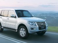 2015 Mitsubishi Pajero Facelift, 13 of 29