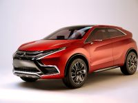 2015 Mitsubishi XR-PHEV II Concept, 4 of 35