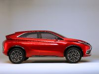 2015 Mitsubishi XR-PHEV II Concept, 13 of 35