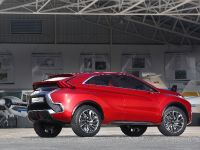 2015 Mitsubishi XR-PHEV II Concept, 14 of 35