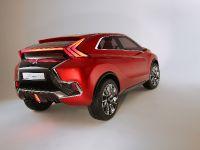 2015 Mitsubishi XR-PHEV II Concept, 18 of 35