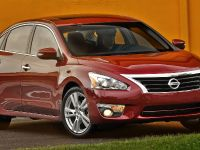2015 Nissan Altima, 2 of 6