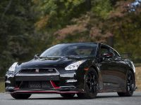2015 Nissan GT-R Nismo, 2 of 11