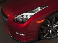 2015 Nissan GT-R, 15 of 26