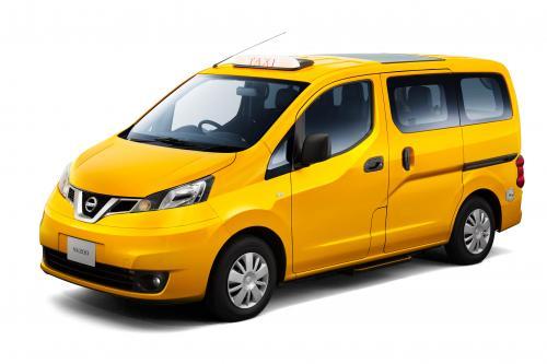 Компания Nissan представляет новое поколение nv200 с такси в Японии