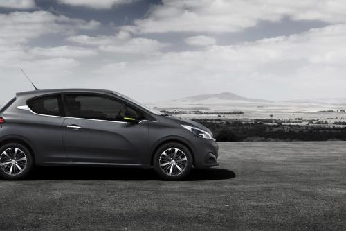 peugeot 208 ice silver 2015 hd pictures automobilesreview. Black Bedroom Furniture Sets. Home Design Ideas