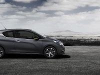 2015 Peugeot 208 Ice Silver , 9 of 18