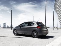 2015 Peugeot 208 Ice Silver , 12 of 18