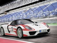thumbnail image of 2015 Porsche 918 Spyder Weissach Package
