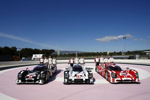 Порше демонстрирует три модели, которые будут соревноваться в 2015году на гонке Ле-Мана