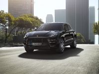 2015 Porsche Macan Turbo, 1 of 6
