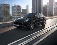 2015 Porsche Macan Turbo, 2 of 6