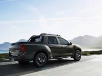 2015 Renault Duster Oroch, 2 of 8