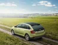 2015 Skoda Rapid Spaceback ScoutLine, 2 of 3