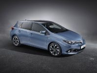 2015 Toyota Auris facelift, 1 of 3