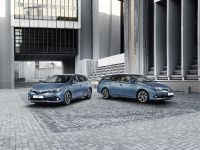 2015 Toyota Auris facelift, 2 of 3