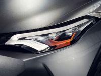 2015 Toyota C-HR Concept, 8 of 10