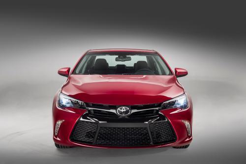 2015 Тойота Камри становится лучше