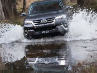 2015 Toyota Fortuner , 1 of 16