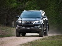 2015 Toyota Fortuner , 2 of 16