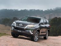 2015 Toyota Fortuner , 8 of 16