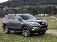2015 Toyota Fortuner , 9 of 16