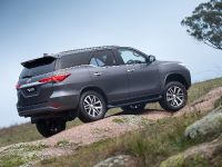 2015 Toyota Fortuner , 12 of 16