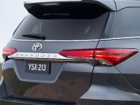 2015 Toyota Fortuner , 15 of 16