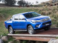 2015 Toyota HiLux, 2 of 11