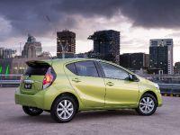 2015 Toyota Prius c i-Tech, 6 of 9